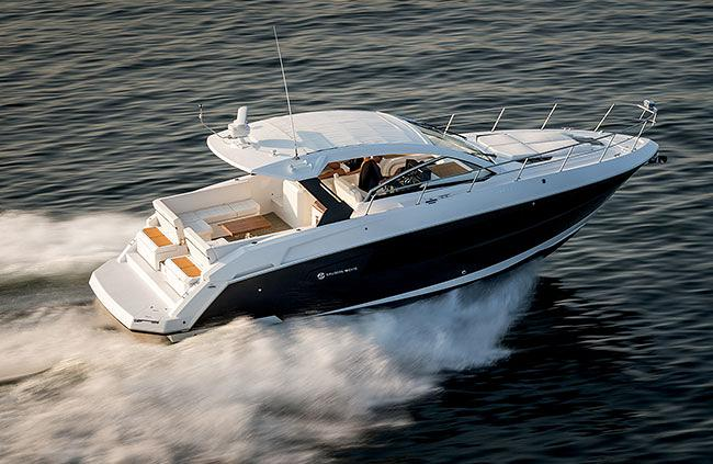 Explore The Cruisers Yachts 390 Express Coupe