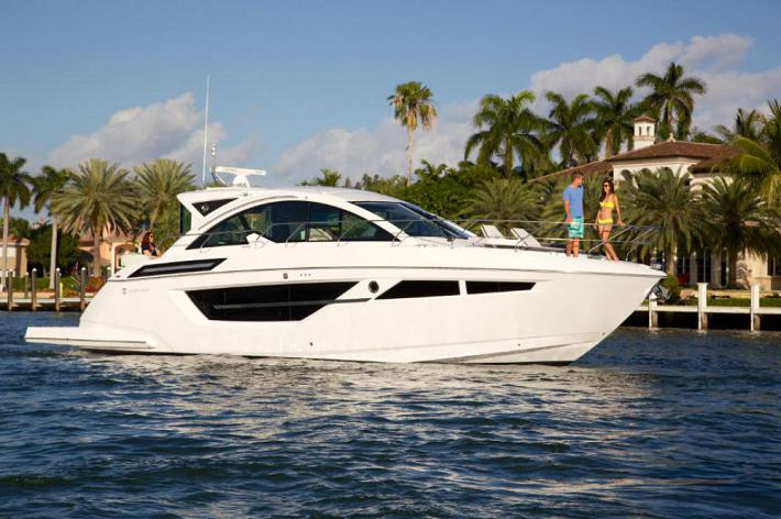 New Yacht Alert : The Cruisers Yachts 50 Cantius