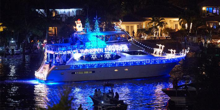 Find A Holiday Boat Parade Near You