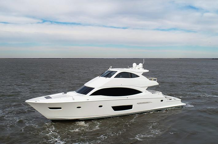 Viking's Motor Yacht Evolution : The 82 Cockpit Motor Yacht