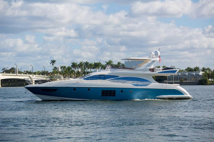 Inside the 2014 Azimut 70′ Flybridge Motor Yacht, An Elegantly Crafted Showpiece