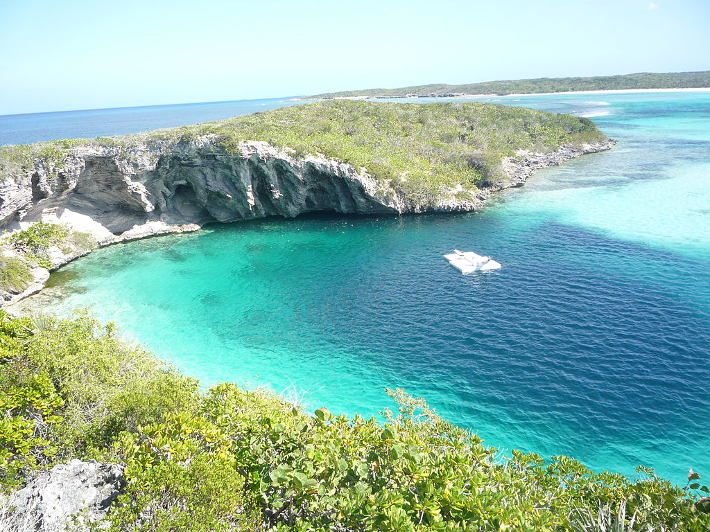 Image 2211: 1024px-Dean_Blue_Hole_Long_Island_Bahamas_20110210