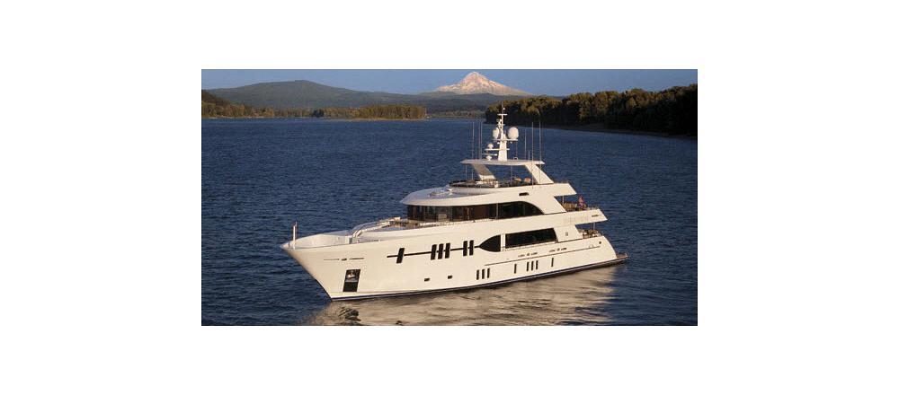 120 Mega Yacht