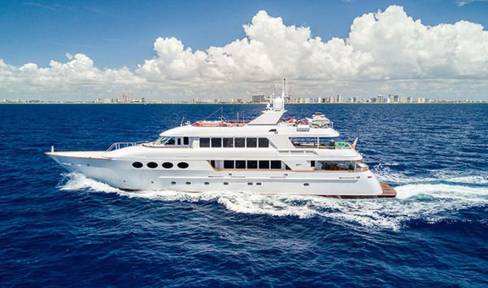 145 Motor Yacht