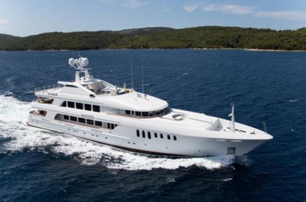 180 Motor Yacht