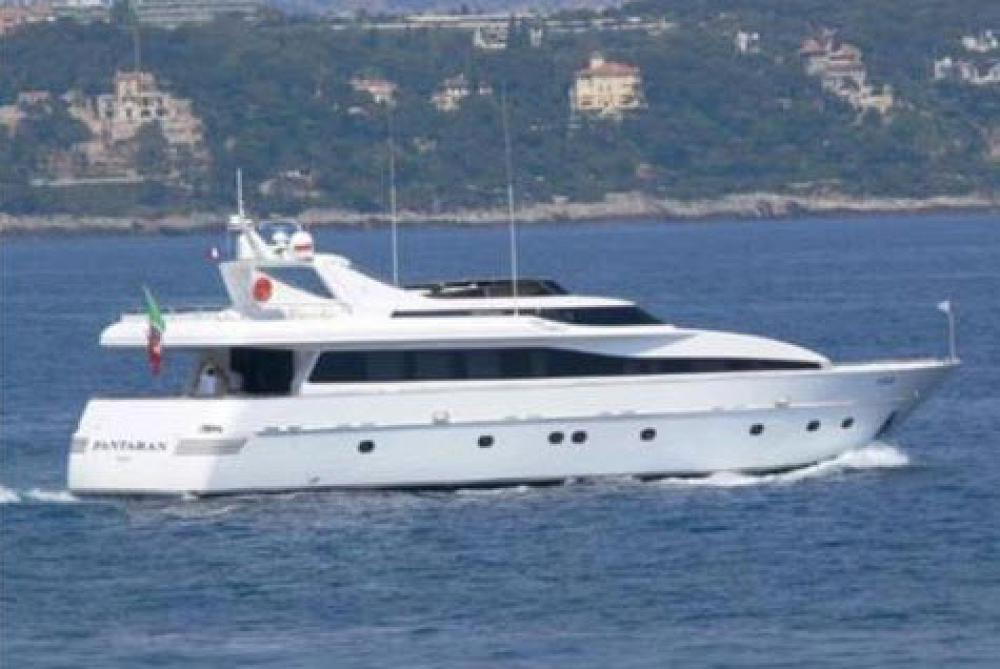 99 Motor Yacht
