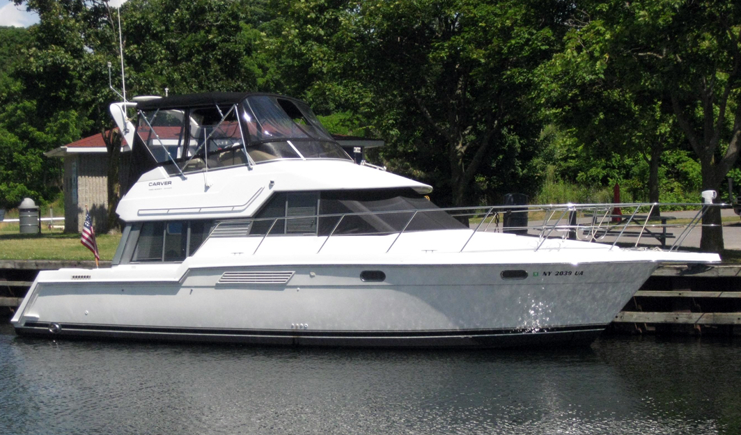 Carver 370-374 Voyager