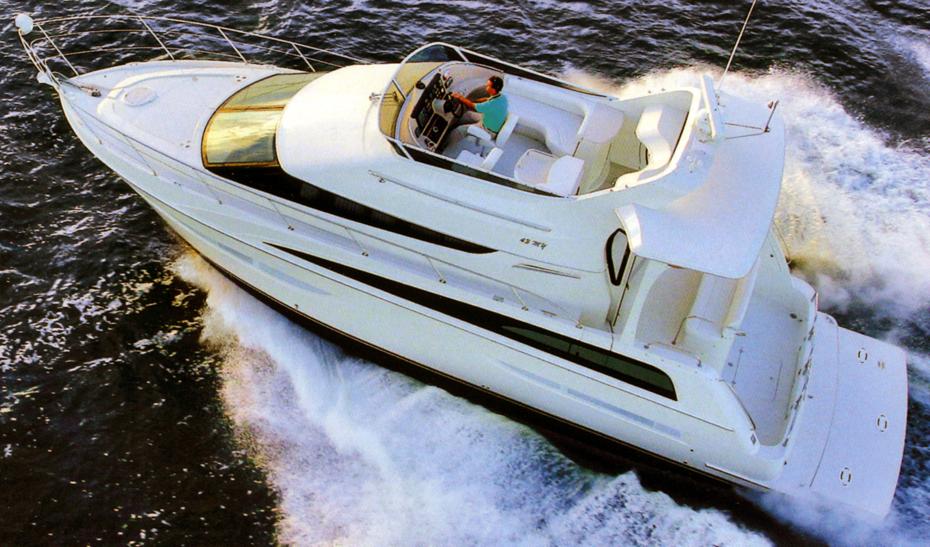 Carver 43-47 Motor Yacht