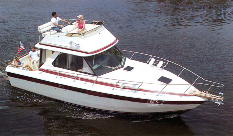 Chris Craft 333 Sedan