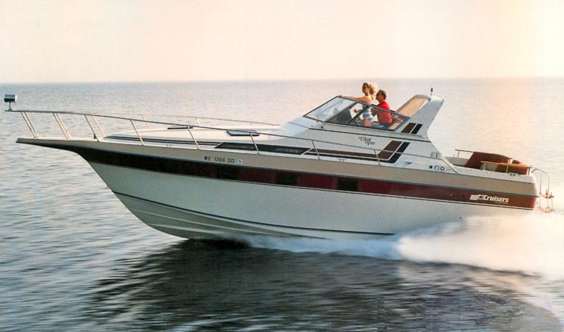 Cruisers 336 Ultra Vee