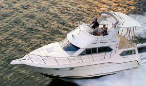 Cruisers 3850-3950 Aft Cabin Motor Yacht