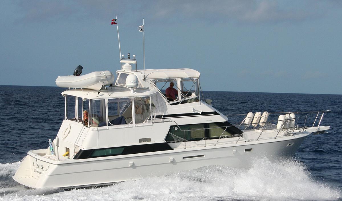 Hatteras 42 Cockpit Motor Yacht
