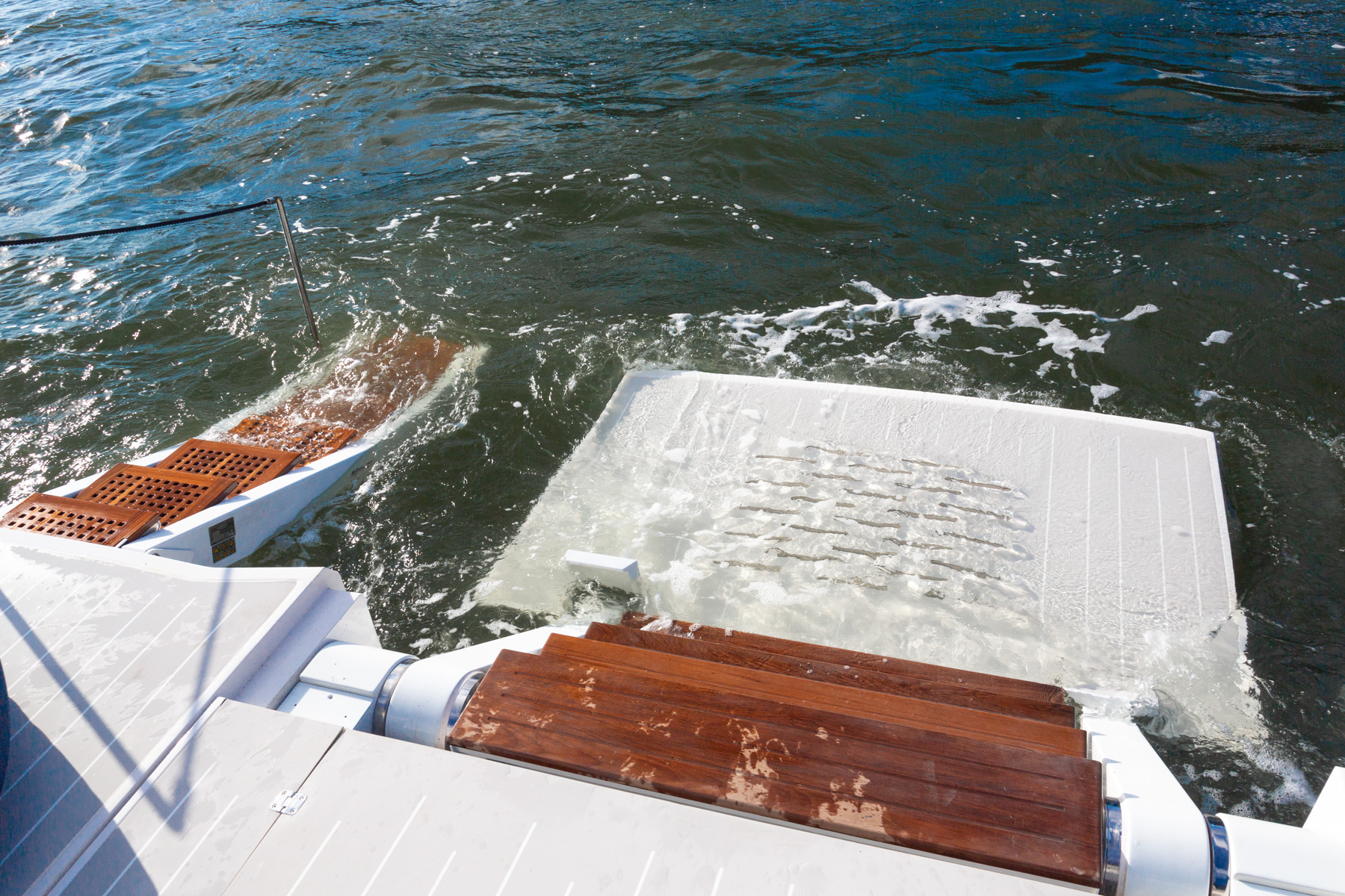 OKEAN 80 Swim Platform Submerged
